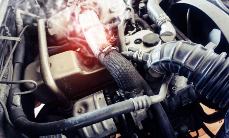 Honda Civic radyatör hortumu şişmesi